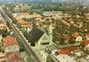 Montgeron (Essonne), l'église Saint-Joseph : [vue aérienne]. Sofer, [années 1960-1970] - image/jpeg