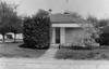 Cité de l'Air, un pavillon et son jardin, sans clôture. Busson, photog., Mallet, photog. 1984 - image/jpeg