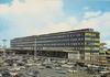 [Orly] Aéroport de Paris-Orly, la façade Nord de l'Aérogare et le parking départ ; éditions P.I. [années 1970-1980] - image/jpeg